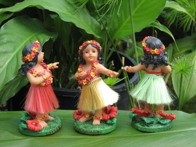 """mini - dancing hula girl"" (green skirt)"