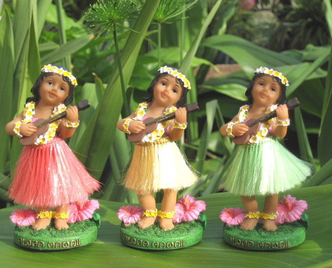 """mini ukulele"" dashboard doll (reddish pink skirt)"